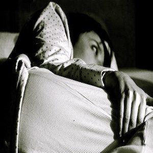 persona che soffre di insonnia