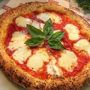 pizza con farina di canapa
